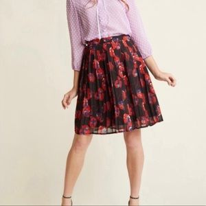Modcloth Black and Red Poppy Pleated Skirt